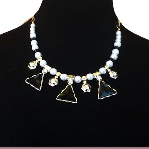 TRIANGLE NECKLACE & FAUX PEARLS  BLACK STONES 16'